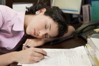 効果は実証済み! 午後の眠気をふきとばす7つの方法