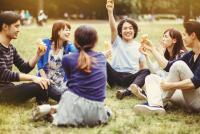 男女の友情は「成立する」は5割強! みんなの男友達活用術とは?