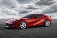 フェラーリ、12気筒ベルリネッタの進化形「812 スーパーファスト」を発表