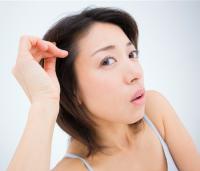 白髪を見つけたらどうしてる?原因と正しい対処法とは?