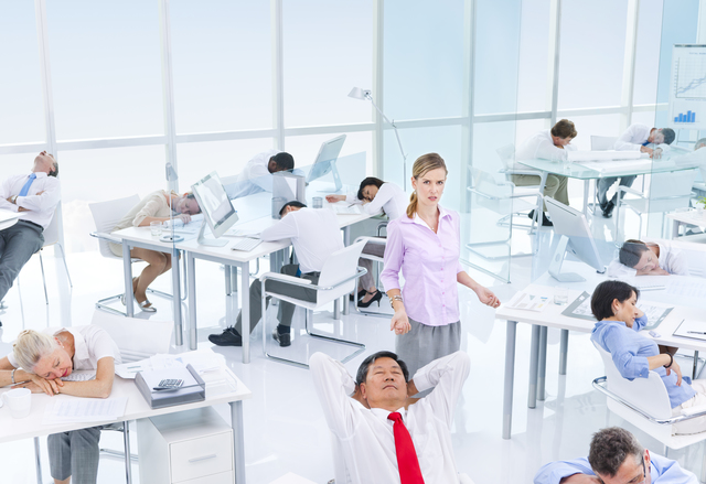 ウチの会社なんかヘン?働く男女が感じてる「職場の深刻な不満」とは
