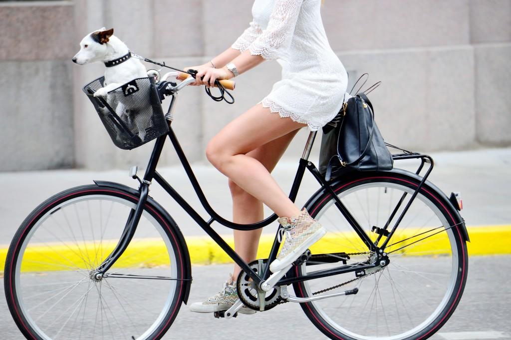アッ…危ない!自転車通勤女子 ...
