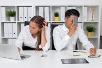 8割が痛感…「職場の人間関係のモヤモヤ」原因は自分ではなく相手側に!?