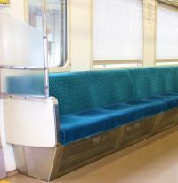 電車の中での飲食はどこまで許せる? がっつり食事に対しては「においが嫌」という声多数