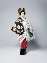 寺島しのぶの花魁姿公開、海老蔵×三池×リリーの六本木歌舞伎『座頭市』