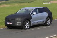 VW トゥアレグ次期型、高性能PHEVの走りを捉えた!