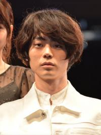 菅田将暉「ミサミサに会えて大興奮」と語るも、戸田恵梨香からは疑惑の目