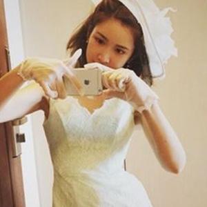 """紗栄子が投稿した""""純白ドレス姿""""に戦慄……元夫・ダルビッシュ有への""""当てつけ""""か?"""