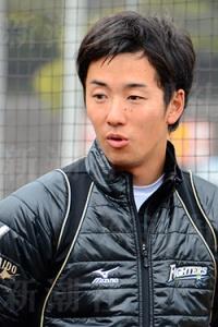 """斎藤佑樹、""""仕事始め""""は国産SUV エースナンバー「18」剥奪"""