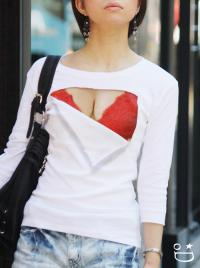 着るだけで巨乳になれるTシャツ?胸を綺麗に見せる為の研究秘話