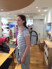 日本土産に外国人がランドセルを買う理由 「ビューティフル」と大絶賛