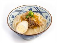 ロシアの丸亀製麺には「チーズ釜玉」や「とんこつうどん」がある