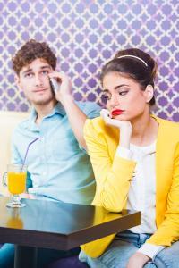 好きの反対は無関心。別れが近づいているカップルのサイン5つ