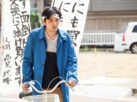 二階堂ふみの下半身、松たか子の二の腕がむきだす。松尾スズキ監督「ジヌよさらば〜かむろば村へ〜」