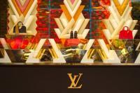 高級ブランドの商品を盗難から守る、糸状識別タグが登場