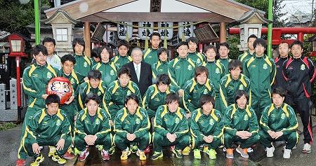 サウルコス今季こそJFL昇格だ 佐野監督、梅井選手ら必勝祈願