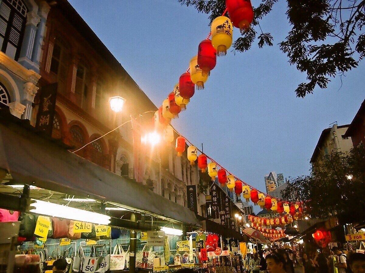 シンガポール独立50周年で8月7日~10日は4連休に