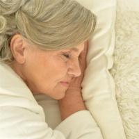 眠りのホルモン「メラトニン」は、なぜ加齢とともに分泌されなくなるのか?