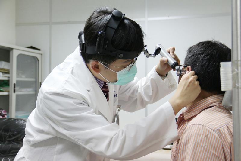 台湾の大学生の高周波域における聴覚損失、30~40代より大きく