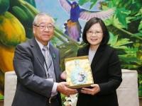 二二八事件:蔡総統、遺族らと面会  政府による真相調査を約束/台湾