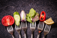 子どもに完全菜食主義を強制する親を罰する法案が提出。最長で6年の懲役へ(イタリア)