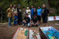 年に一度、墓に埋めた棺から故人の遺体を取りだし新しい服を着せるインドネシア、トラジャ族の風習(閲覧注意)
