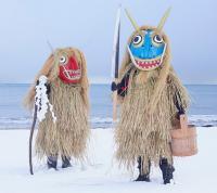 日本には妖怪たちが住んでいる。フランス人写真家が日本の祭りの様子を撮影した写真集「妖怪の島」