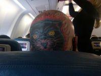 見てはいけないものを見てしまったようだ・・・飛行機内でうっかり見ちゃった奇妙な場面(一部閲覧注意)