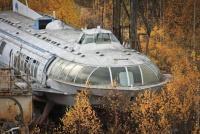 冷戦時代の遺物。旧ソ連時代に作られ、さび付いたまま現代に眠るラケタ(水中翼船)