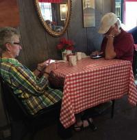 「今どきの若者は」と言うけど「今どきの老人は」どうなのか…とあるレストランの写真