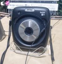 富士フイルムのハイブリッドインスタントカメラ「instax SQUARE SQ10」をチェック