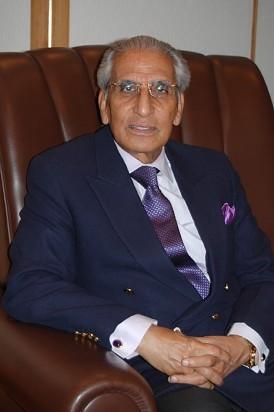 <アフガン和平>「パキスタンが交渉支援」首相特別補佐官