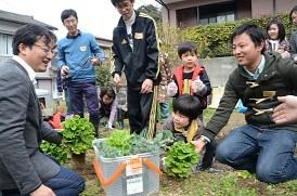 <耕活>災害時も新鮮な野菜を 高知大生、地域と連携し栽培