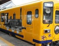 <島原鉄道>車体に「1号機関車」の絵…ラッピング列車運行