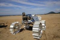 <月面探査機>鳥取砂丘で走行試験…日本の民間チーム
