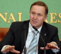 <NZ>首相が辞意表明 「困難な決断」理由詳しく言及せず