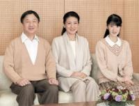 <雅子さま>退位の意向「厳粛に拝見」…53歳の誕生日