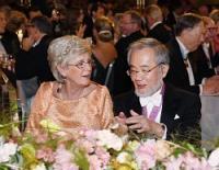 <ノーベル賞>大隅さん晩さん会出席「ようやく実感湧いた」