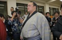 <大相撲初場所>悲願の初優勝…稀勢の里、亡き師匠へ恩返し