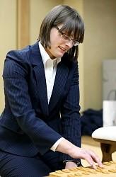 <将棋>外国人初の女流プロ誕生 ポーランドの25歳