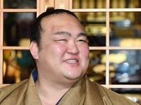 <稀勢の里V>相撲では負けていたが最後は気持ち 一夜明け