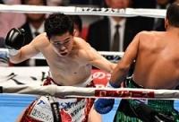 <ボクシング>井岡判定で5度目防衛 大森はTKO負け