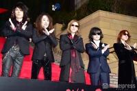 X JAPAN、グループ史上初の試みで割れんばかりの歓声 YOSHIKIのファンサービスに沸く