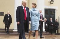 トランプ夫人が米大統領就任式で選んだドレスが「素敵」と話題<ブランドは…>
