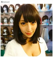 """加藤紗里、黒髪""""清楚系""""姿が「美人すぎる」「別人級」と話題"""