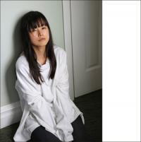 「消えた美人女優」小西真奈美、衝撃のラッパーデビューと