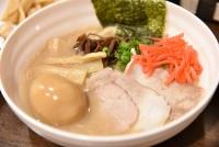 浅草にラーメン食べ放題という新ジャンル誕生「拉麺ビュッフェBUTA」でチャーシューを乗せまくれ!