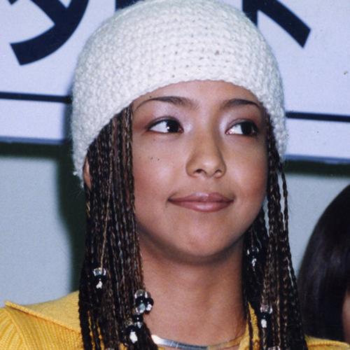 レゲエ風のヘアスタイルが可愛い安室奈美恵