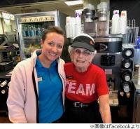 マクドナルド勤続44年の94歳女性