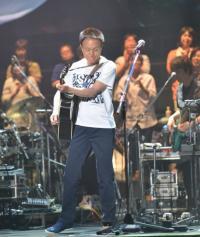 小田和正、34年ぶりオフコース名曲熱唱 「最年長1位」も感謝